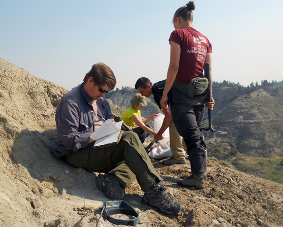 Students recording the lithologic and stratigraphic details of a new microfossil locality
