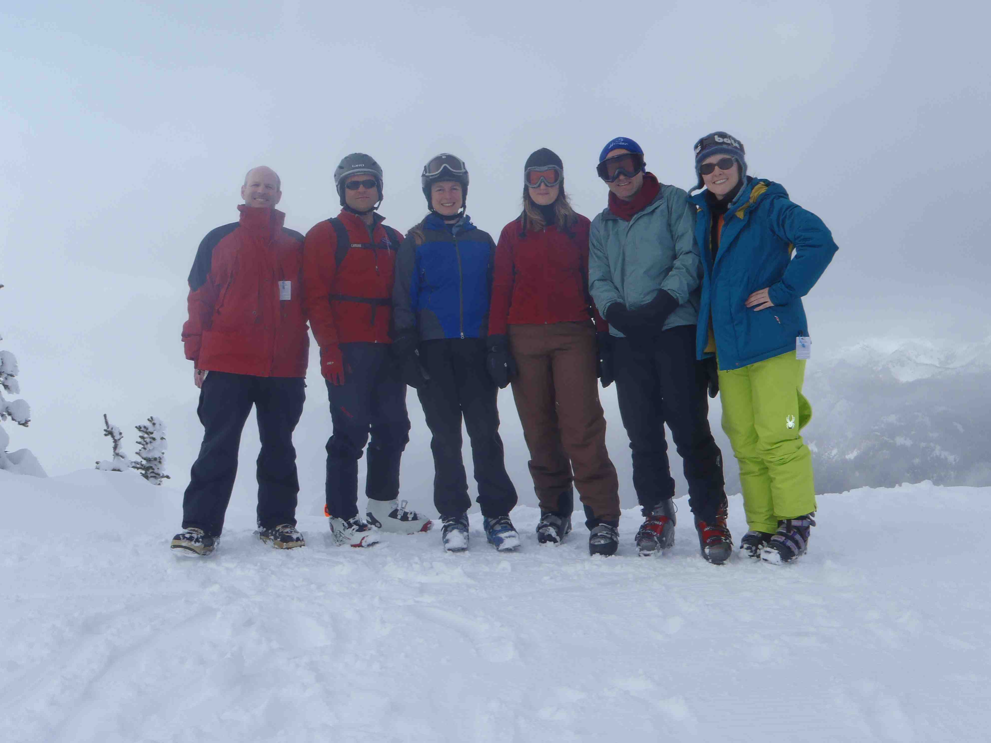 http://faculty.washington.edu/jsachs/lab/www/Research/people/Sachs_Lab_Ski_Trip_29Mar2011_sm.jpg