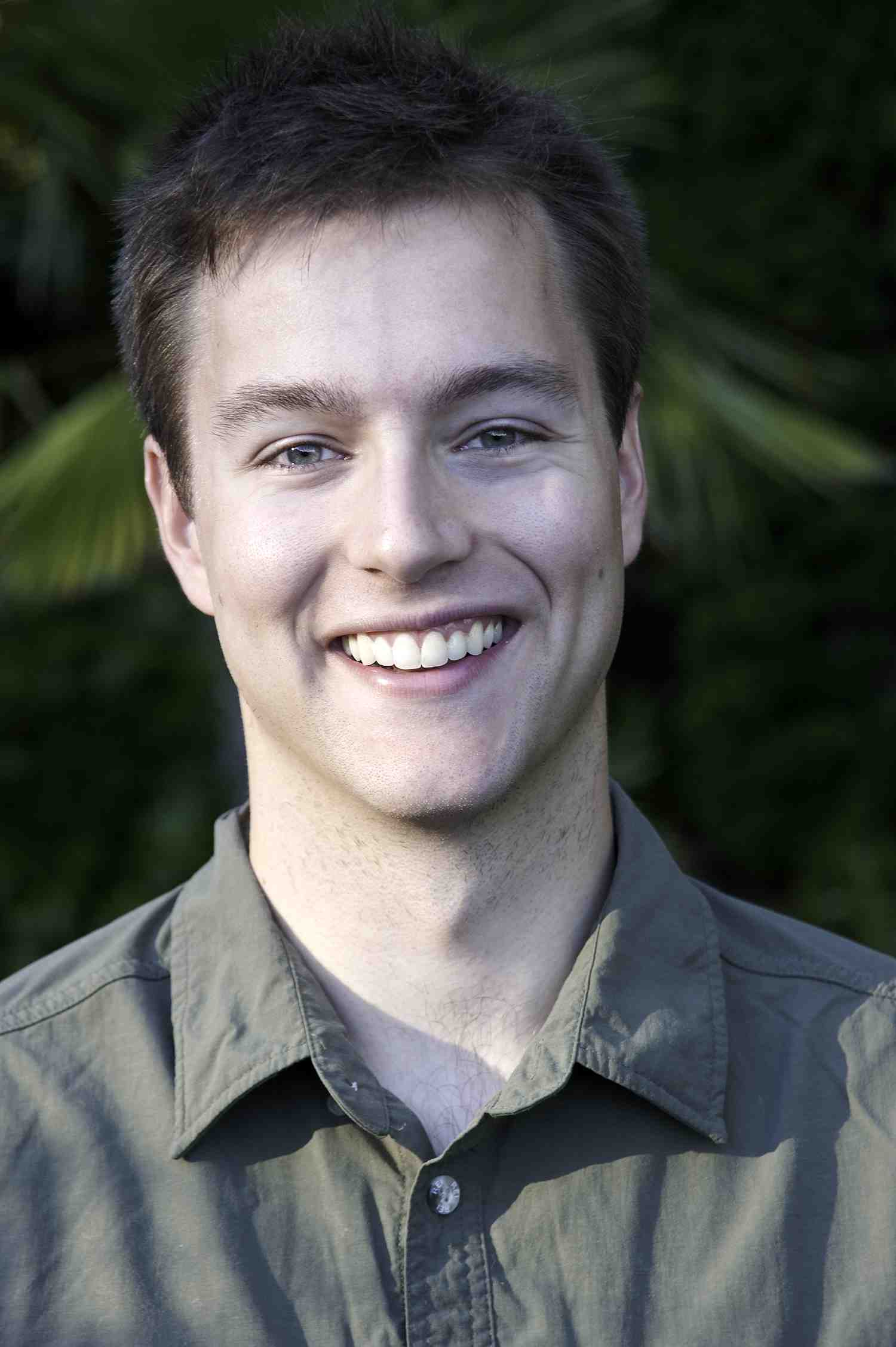 ttp://faculty.washington.edu/jsachs/lab/www/Research/people/conor_myhrvold_headshot_sm.jpg